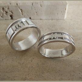 Gepersonlaiseerde heren ring met initialen - model flat shank