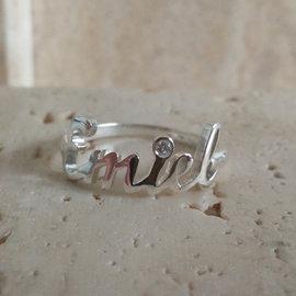 Zilveren naam ring met diamant