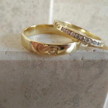 persoonlijke trouwringen geel goud briljant